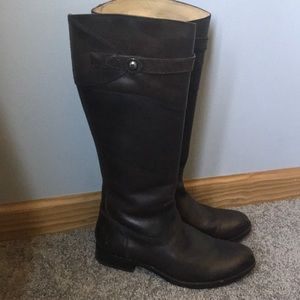 NWOT Frye Molly Button Tall Boot